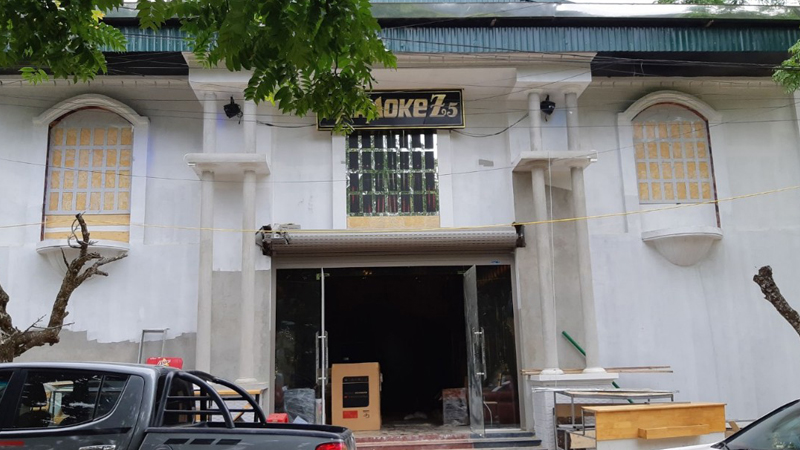 Mặt trước quán karaoke z5