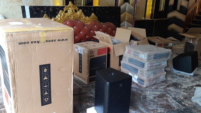 Thiết bị karaoke được chúng tôi chuyển đến để lắp đặt