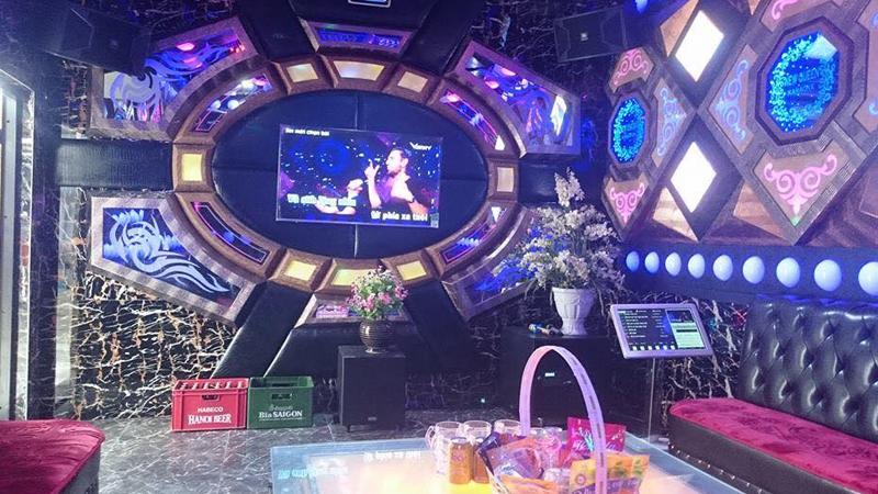 Một góc của quán New Queen Karaoke